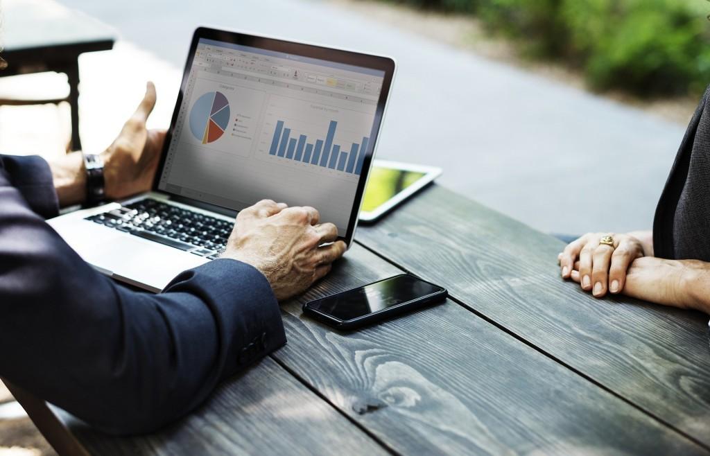 Marketing à petit budget : comment promouvoir votre entreprise gratuitement ou à moindrecoût